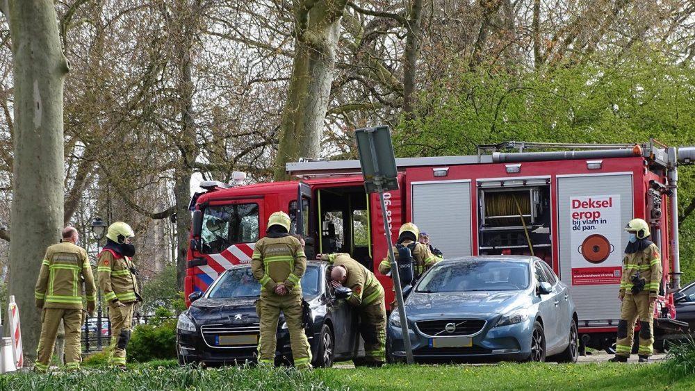 Autobrand op Tadamasingel in Zutphen - Foto: Manuel Bruna