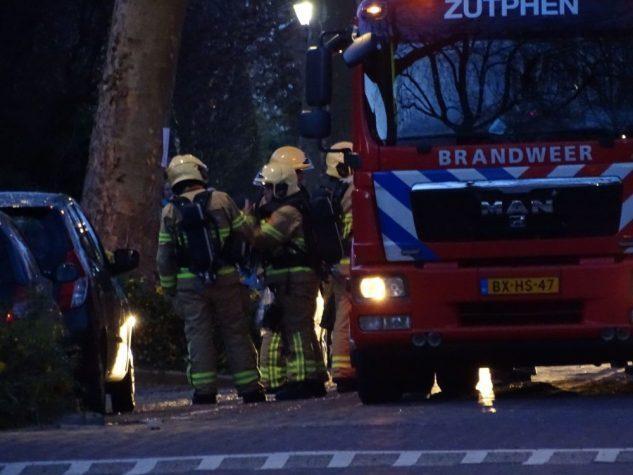 Schoorsteenbrand Heeckerenlaan Zutphen - Foto: Manuel Bruna